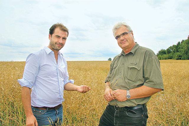 Landwirt Malte Blöcker und Bauernpräsident Detlef Kurreck
