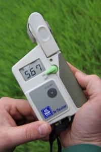 Nitratmessgerät misst Schadstoffgehalt