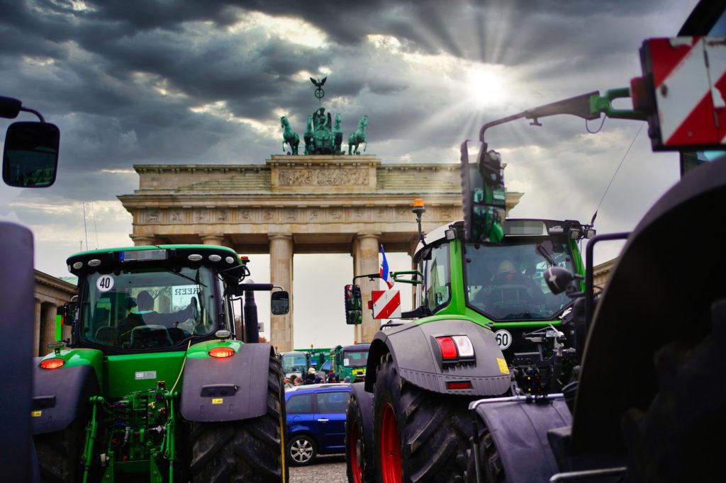 Traktoren vor dem Brandenburger Tor