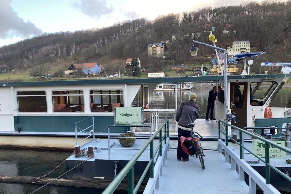 Ziegenhirte an der Elbe