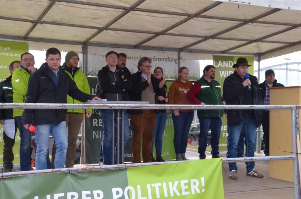 Bauerndemo-Dessau-Podium
