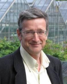 Prof. Eckhard George. (c) IGZ