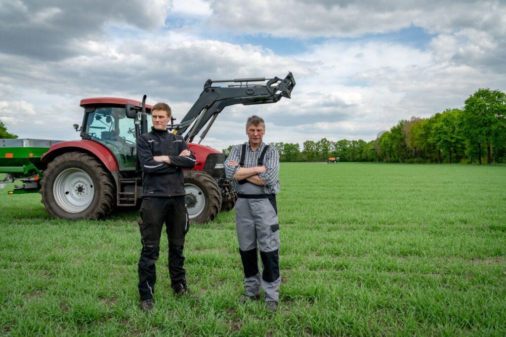 Landwirt und Sohn.