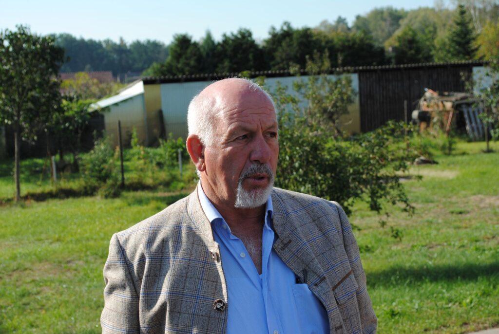 Heinz-Georg Embach betreibt zusammen mit seinem Sohn den Spreewaldhof Niewitz. Schwerpunkt sind Erdbeeren und Gurken.