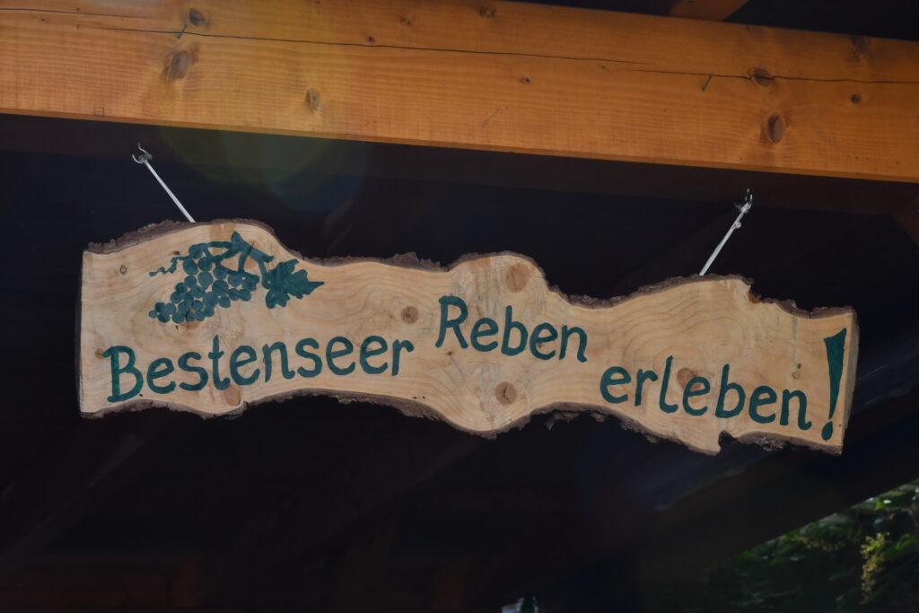 Weinberg Bestensee Schild